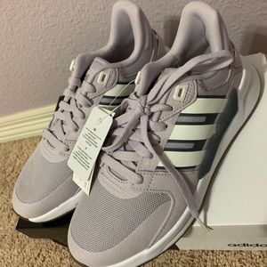 Never worn adidas shoes size 7